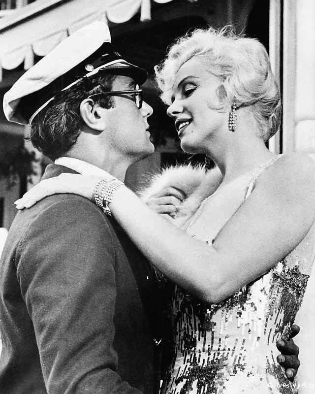 Marylin Monroe & Tony Curtis, 1959